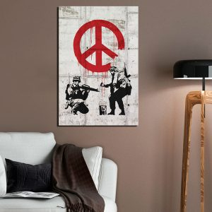 Kuva - Soldiers Painting Peace by Banksy-2